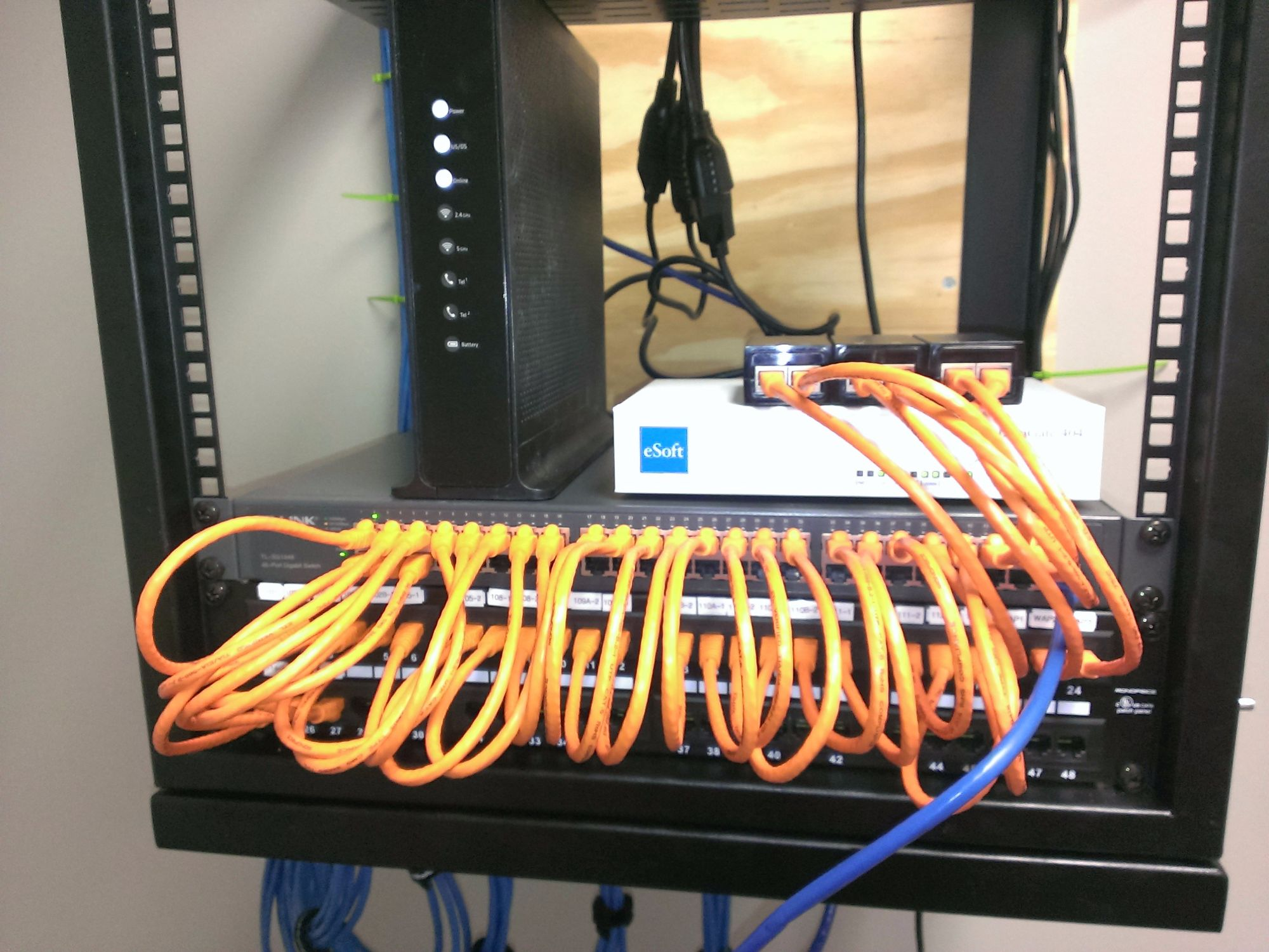 Switch_and_Patch_Panel